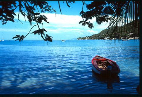 barco-haiti.jpg